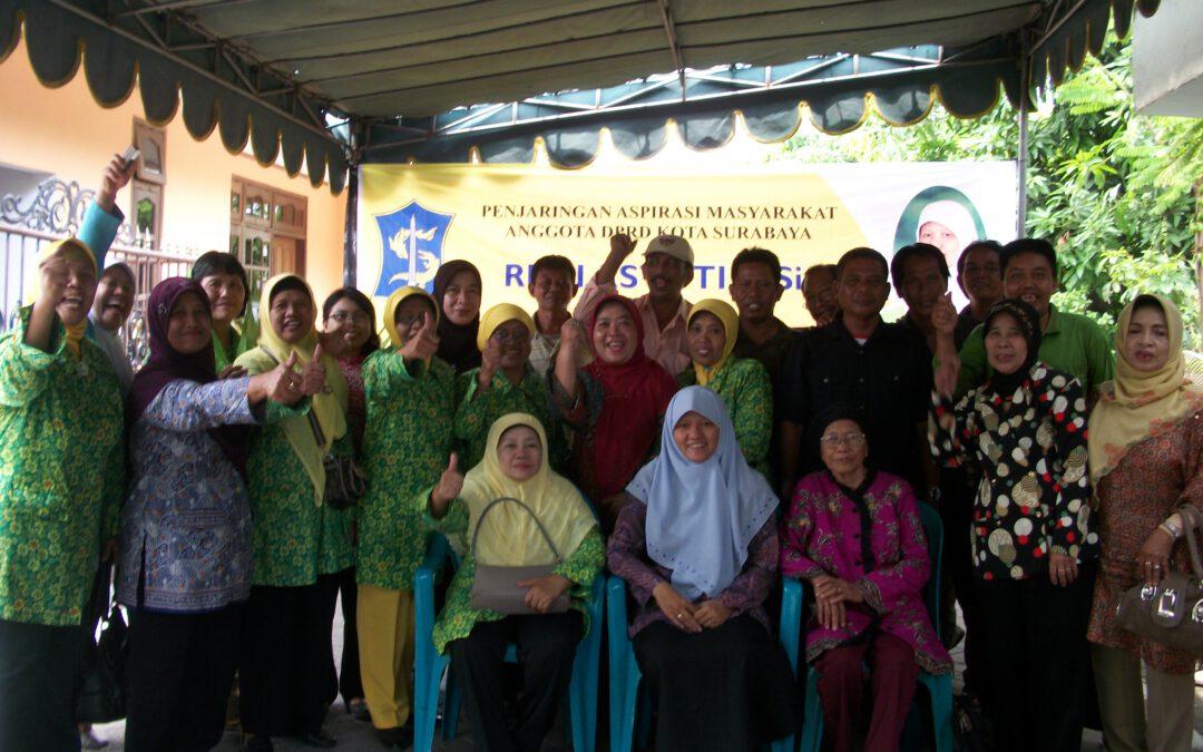 Bersama warga Jagir kelurahan Wonokromo